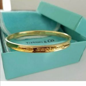 Tiffany and Co yellow gold bangle bracelet 18k